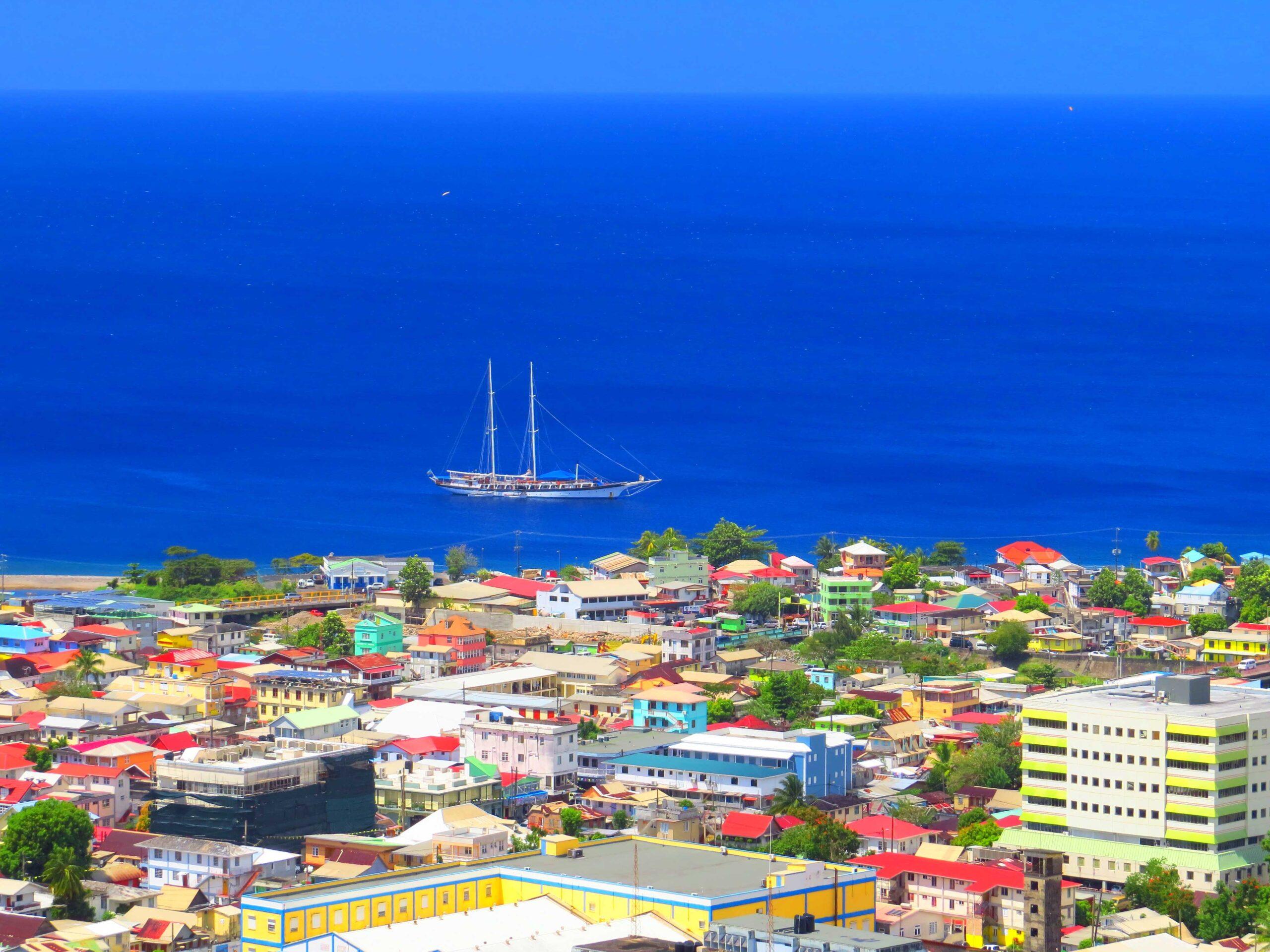Dominica_med (1)